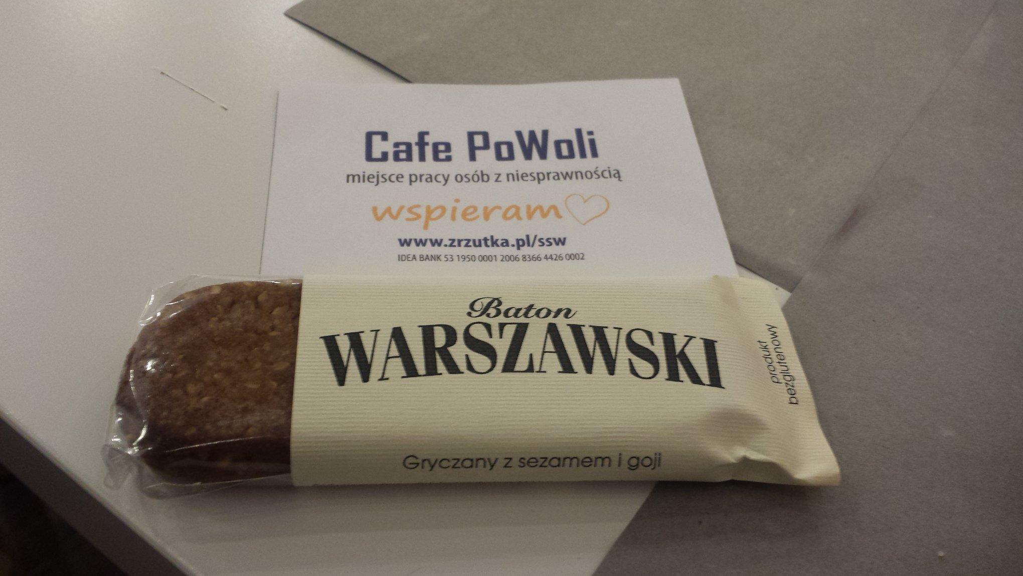 Step in Warsaw - Stadtführerin in Warschau. Ein gemütliches Kulturcafé Café PoWoli (Warschau, Smocza Straße Nr 3). Es is ein stimmungsvoller Platz mit gesellschaftlichen Werten, der Behinderte einstellt. Man sollte solche Projekte unterstützen! Sie können dort lokale und gesunde Produkte kaufen: glutenfrei, zuckerfrei.