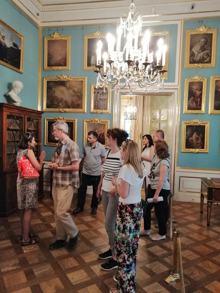 "Step in Warsaw - City guide to Warsaw. My tourists from Bosnia and Herzegovina from Sarajevo came to Warsaw to take part in the International Cardiovascular Symposium on: ""Cardiac & Vascular Disease: present and future"". It was then very hot and very nice. We took some rest from the heat in the Royal Castle. In the King's Study. Warsaw, 13.06.2019."