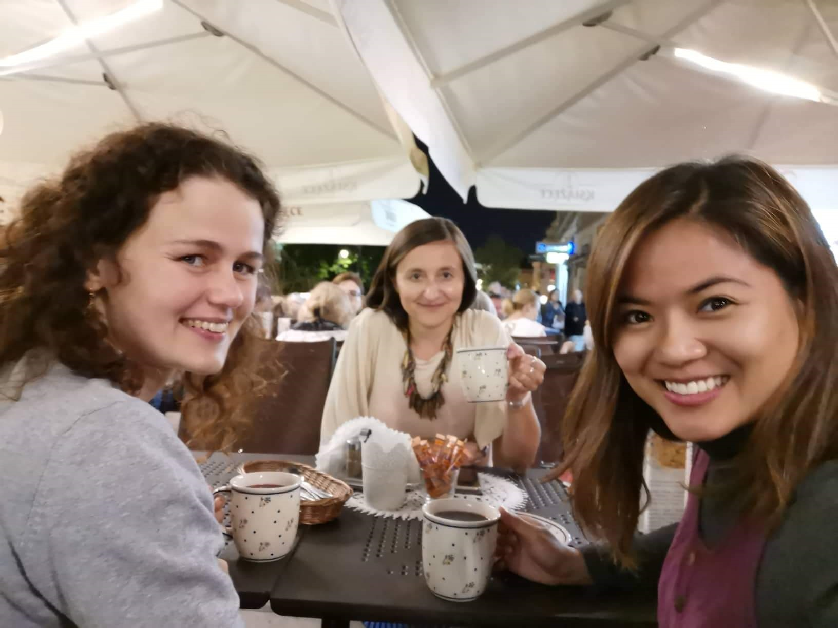 Step in Warsaw - City guide to Warsaw. A lovely tourist from Philippines is experiencing Warsaw in the company of two lovely residents of Warsaw:). A farewell dinner. Traditional Polish food served on Polish folk pottery dishes. Warsaw, 23.07.2019.