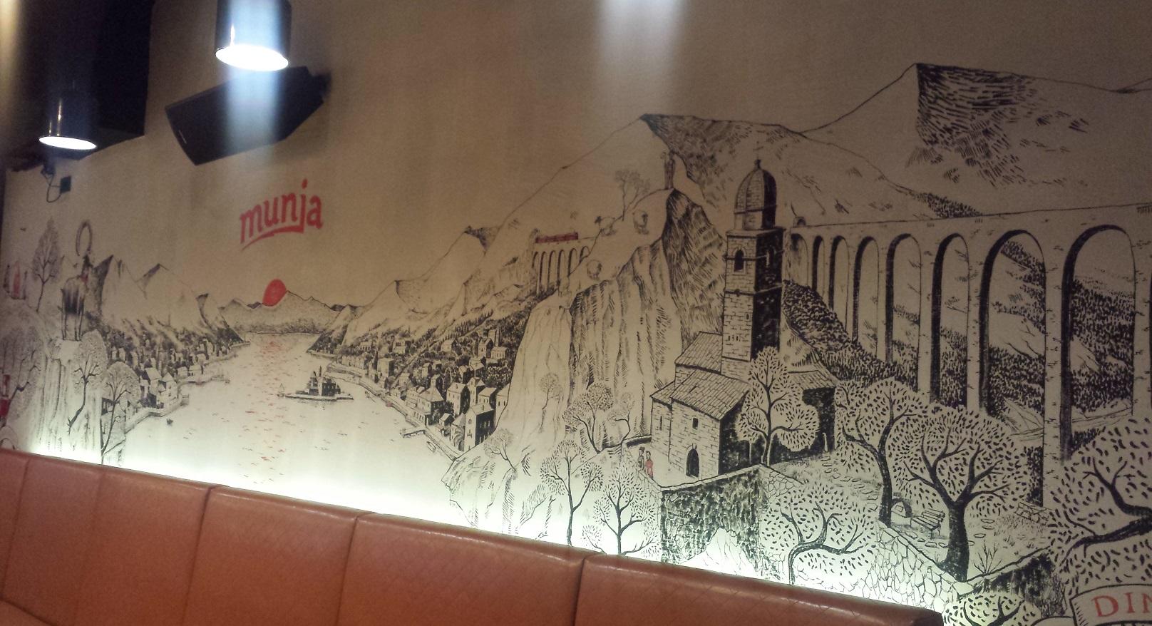 Step in Warsaw - Stadtführerin in Warschau. Ich empfehle ein Balkan Restaurant Munja (in der Nähe des Zentrums), besonders meinen Touristen aus Balkanstaaten. Die balkanische Landschaft. Warschau, 25.07.2019.