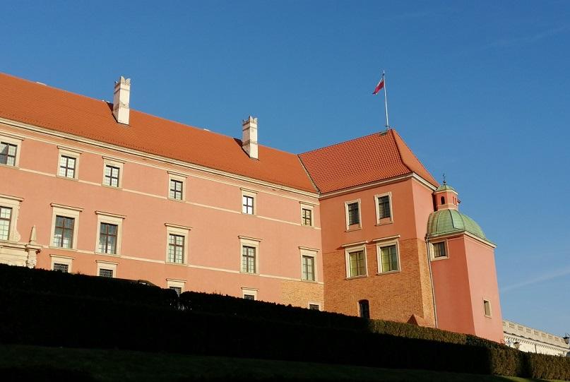 Step in Warsaw - Stadtführerin in Warschau. Das Königsschloss in Warschau, der Große Turm (Turris Magna) - der älteste Teil des Königsschlosses (das 14. Jahrhundert).