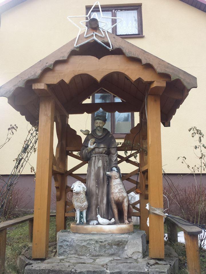 """Step in Warsaw - Stadtführerin in Warschau. Franziskus von Assisi mit seinen """"Brüdern"""" und """"Schwestern"""". Korbielów, März 2018."""
