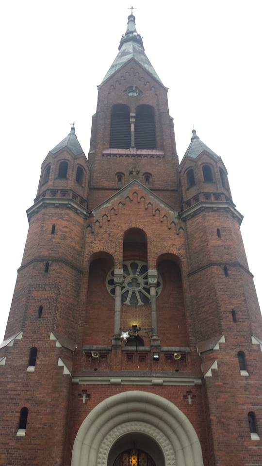 Step in Warsaw - Przewodnik po Warszawie. Kościół pw. Najświętszego Serca Pana Jezusa w Parznie. Parzno, luty 2018.