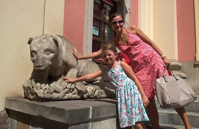 Step in Warsaw - Stadtführerin in Warschau. Warschau für Kinder. Ein Fürst, der sich in einem Bär änderte. Warschau, Juli 2018.
