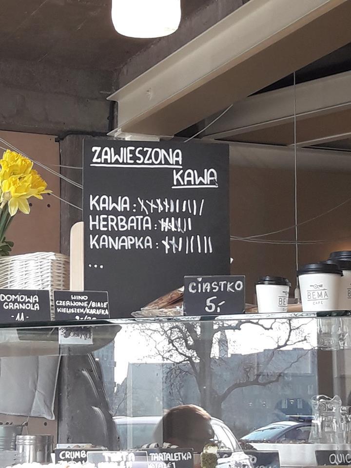 "Step in Warsaw - Stadtführerin in Warschau. Die Aktion ""gratis Kaffee / Tee / Sandwich"". Bema Café, Wrocław, Februar 2018."