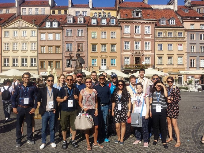 Step in Warsaw - City guide to Warsaw. The participants of the International Symposium on Growth of Nitrides ISGN. The main Warsaw tourist attraction was a cruise on the Vistula river. We obviously visited the mermaid in the Old Town Market Square before the cruise.:) Warsaw, August 2018.